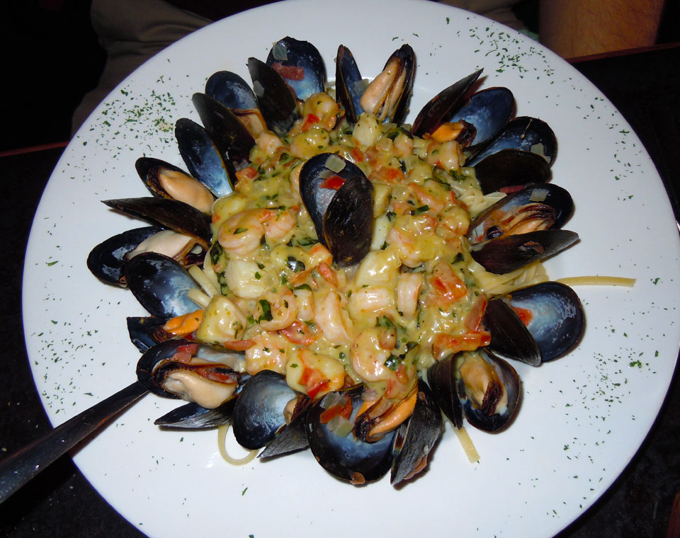 Mussel, Shrimp & Scallop Linguine